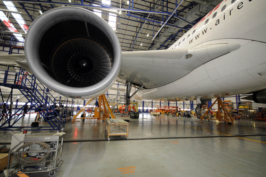 Airbus A330 de Air Europa en mantenimiento