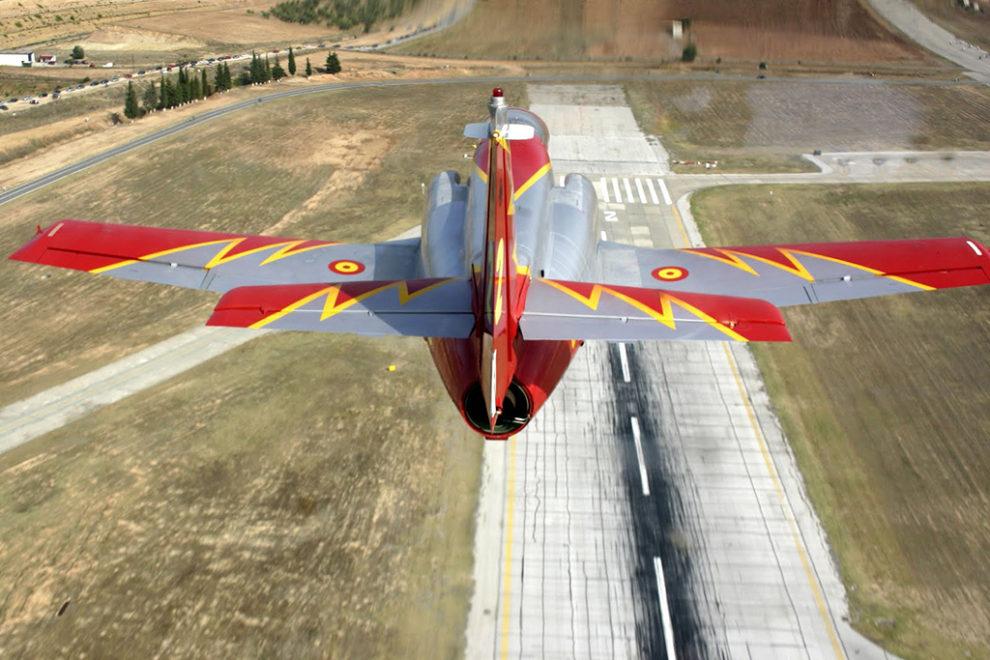 Cerca de la mitad de los C-101 de la AGA lucen los colores de la Patrulla Águila