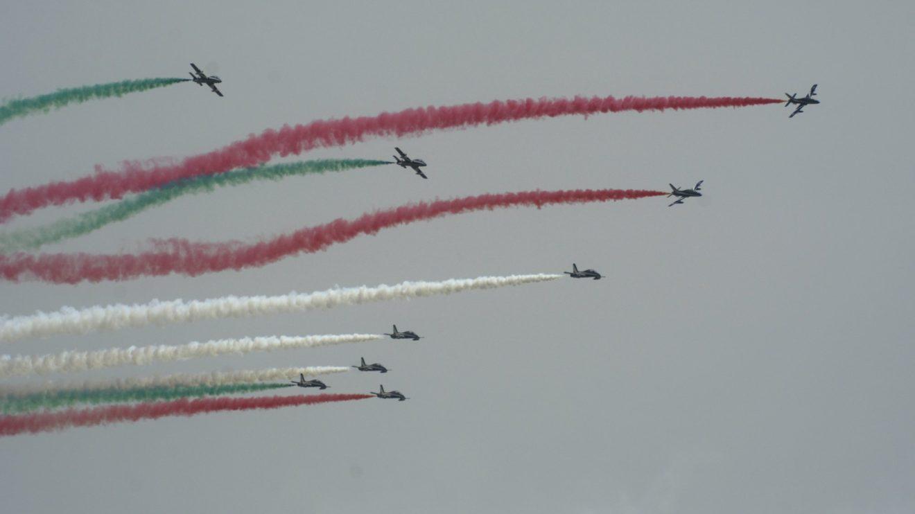 Feecce Tricolori italianos fueron al final la única patrulla extranjera presente ya que Patrouille de France canceló su asistencia.