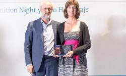 Alicia Morales, Márketing Manager de Iberia Mantenimiento, recibe el reconocimiento del Ayuntamiento de Madrid como Embajadora Honorífica de la capital.