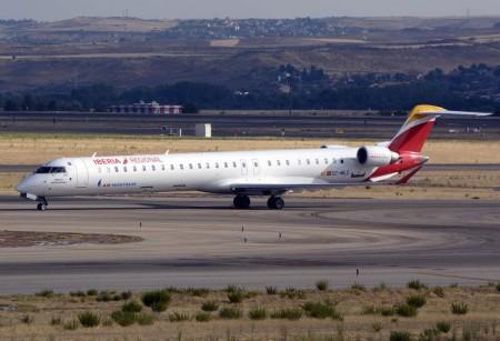 Air Nostrum está incorporando más Bombardier CRJ1000 y precisa más TCP y técnicos de mantenimiento.