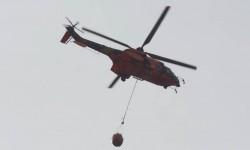 La Unidad Militar de Emergencias hará una demostración de descarga de agua en extinción de incendios con uno de sus Eurocopter AS532.
