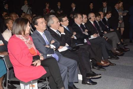 Carmen Librero, primera a la izquierda, junto a directivos de Enaire, AENA y el ministerio de Fomento durante la inauguración del World ATM Congress.