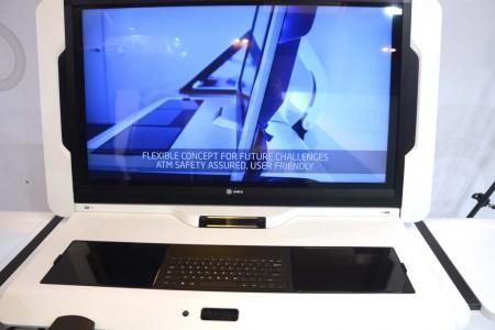 Indra muestra en el World ATM Congress varios de sus desarrollos, como esta consola.