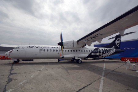 ATR además de anunciar ventas hizo entrega a Air New Zealand de este ATR 72-600 durante la celebración de Le Bourget 2015.