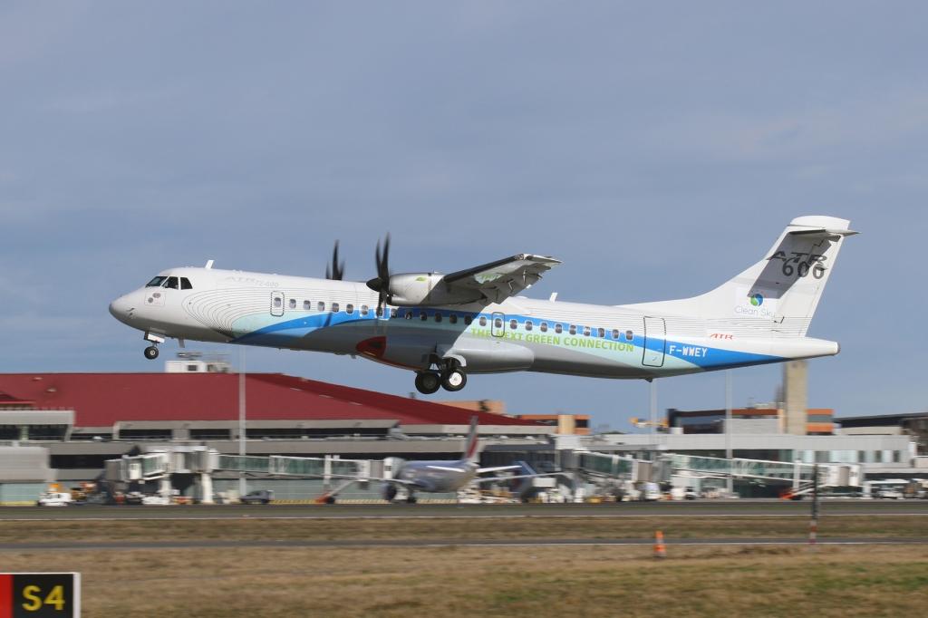 Despegue de Toulouse del ATR-600 modificado con nuevos sistemas eléctricos.