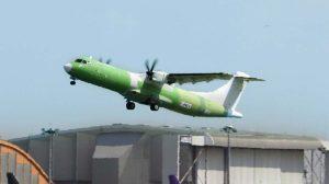 Despegue de Toulouse del primer ATR 72-600 carguero.