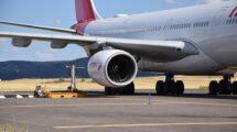 Un momento de las medicones de las emisiones del motor Rolls-Royce Trent de un Airbus A340-600 de Iberia en Ciudad Real.
