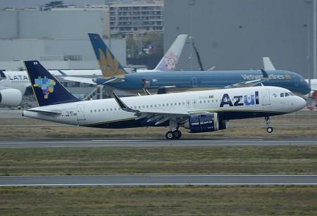 El primer A320neo de Azul aterriza en Toulouse tras uno de sus vuelos de prueba.