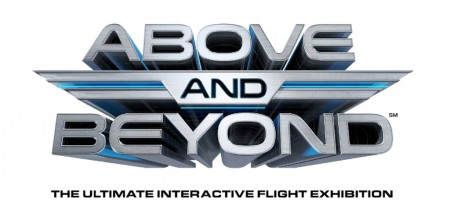 Logotipo de la exposición Above and Beyond.