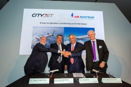 Carlos Falcon, director general y Carlos Bertoméu, presidente de Air Nostrum junto a Pat Byrne, consejero delegado y Cathal O´Connell, director comercial de CityJet.