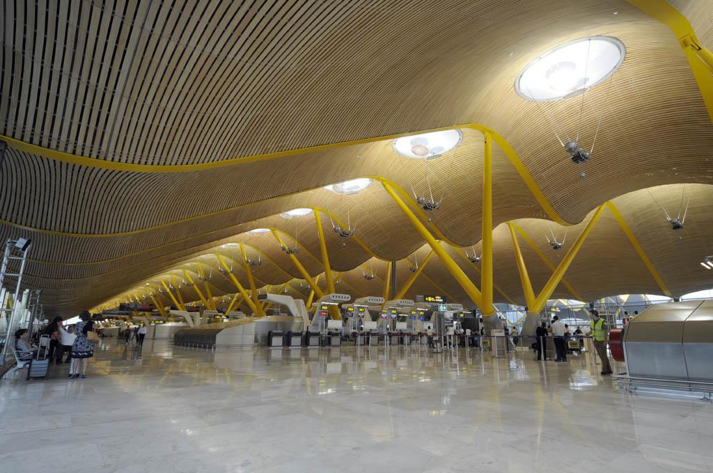 El tráfico de pasajeros en Barajas se incrementó un 7,9 por ciento en octubre