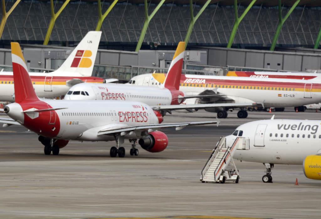 Aviones en el aeropuerto de Madrid Barajas