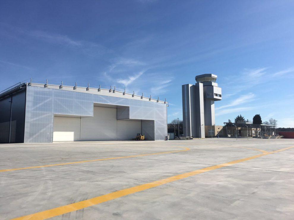 El aeródromo de Rozas se ha convertido en un importante foco aeronáutico, especializado en drones.