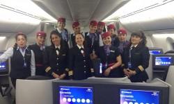 Tripulación de Aeroméxico que cubrió el vuelo entre México y Madrid el Día Internacional de la Mujerº