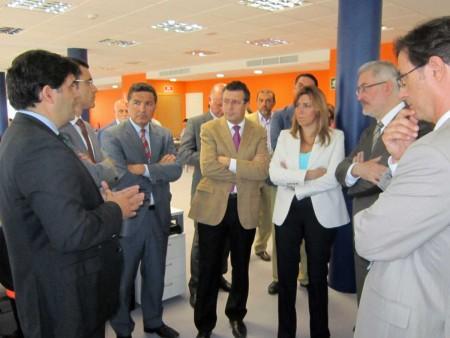 Los consejeros de Presidencia e Industria de la Junta en las instalaciones de MDU