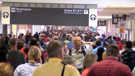 Las terminales del aeropuerto de Atlanta ocupan 52,6 hectáreas y cuentan con 207 puertas de embarque.