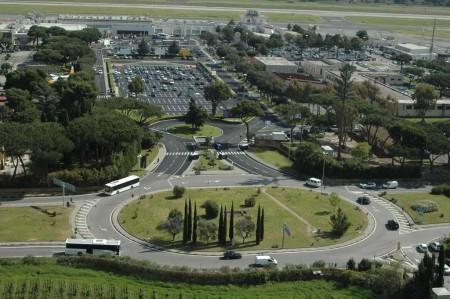 Accesos al aeropuerto de Roma Ciampino desde el que Ryanair opera a cinco aeropuertos españoles: Madrid, Ibiza, Palma de Mallorca, Santander y Valencia.