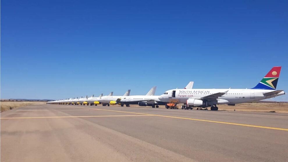 Aviones aparcados en el aeropuerto de Ciudad Real por el COVID-19. Hoy todos los Vueling lo han abandonado ya.
