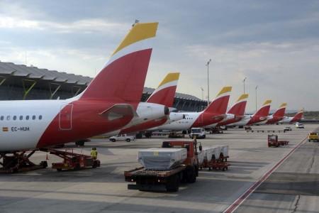 Barajas encabeza un mes más las estadísticas de pasajeros, movimientos y carga de los aeropuertos de Aena.