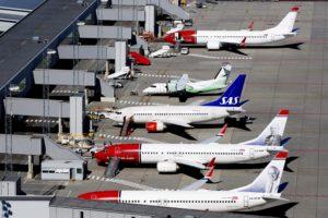 Aviones de Nowegian, SAS y Wideroe en el aeropuerto de OSlo.