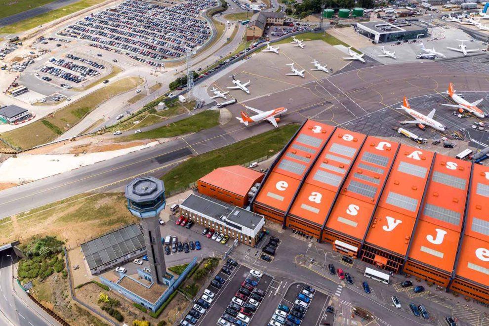 Sede de Easyjet en el aeropuerto de Londres Luton.
