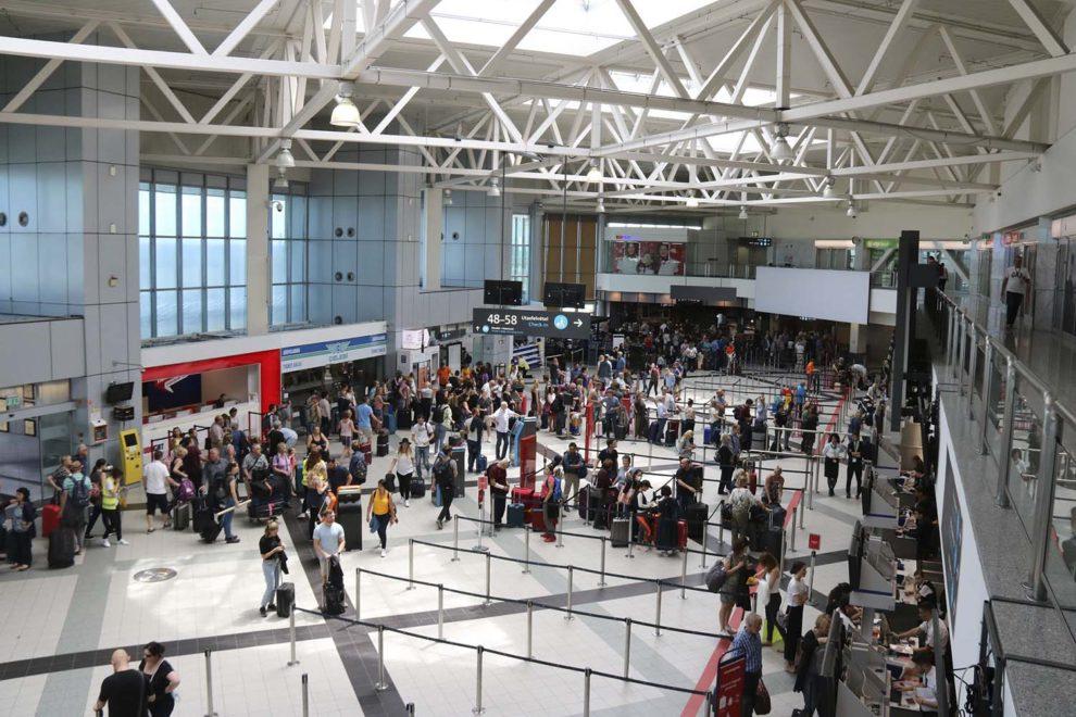 Boeing es optimista sobre el regreso de los viajeros a los aeropuertos en sus nuevas previsiones de mercado.