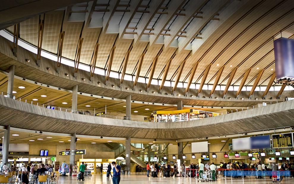 Interior de la terminal del aeropuerto de tenerife Norte.