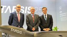De izquierda a derecha: Pedro Becerra, Director de Sistemas de Defensa de AERTEC Solutions, el General Flavio Enrique Ulloa, Gerente de CIAC y Antonio Gómez Guillamón, Director General de AERTEC Solutions.