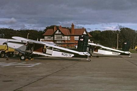 Dos de los PC-6 de Air America y que también se mostraban en la película homónima.
