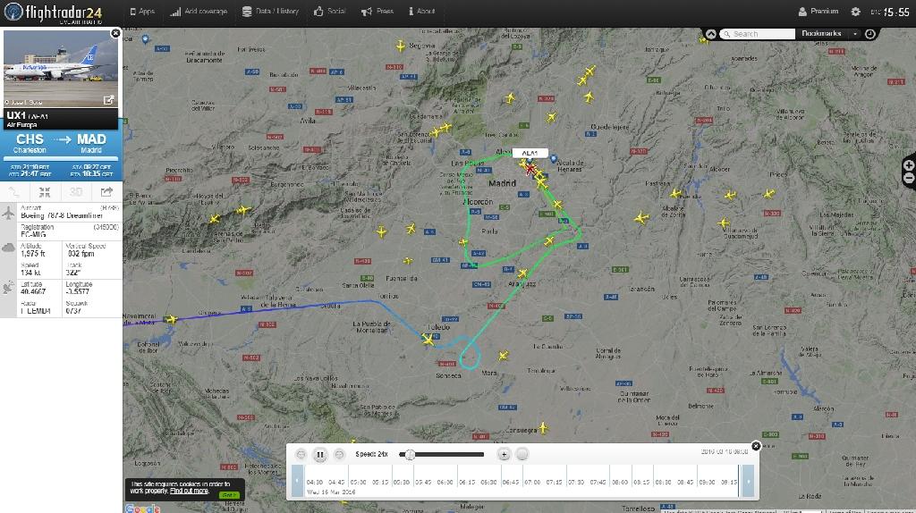 Traza en Flightradar 24 del tramo final de la llegada a Madrid del EC-MIG, con el 360 en Toledo y la maniobra de frustrada tras la pasada a baja altura sobre la pista del aeropuerto.