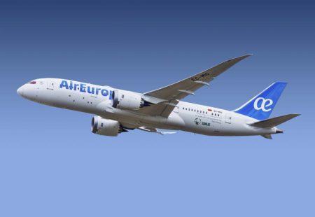 IAG tiene previsto mantener la marca Air Europa durante un tiempo no especificado antes de integrarla en Iberia.