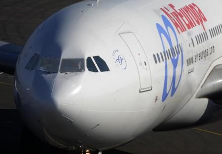 Los pilotos de Air Europa aprueban por votación las condiciones que regularán sus condiciones laborables.