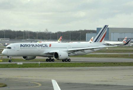 Air France ha equipado sus A350 con 324 asientos: 34 en Business, 24 en turista premium y 266 en turista.
