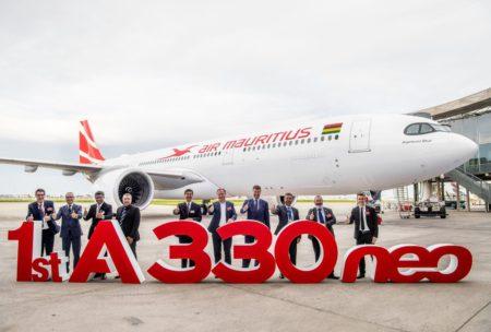 Air Mauritius cuenta con una flota compuesta por aviones Airbus y ATR.