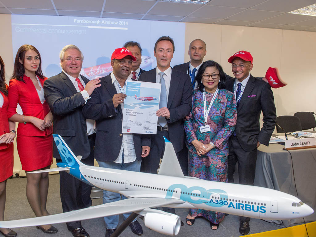 Firma de la compra de Airbus A330neo por Air Asia