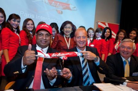 Firma del A320neo por Air Asia