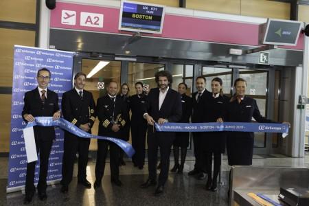 Corte de cinta del vuelo inaugural de Air Europa a Boston