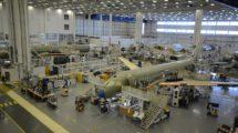 Cadena de montaje del Airbus A220 en el aeropuerto Mirabel de Montreal.