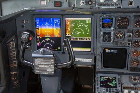 Detalle de las nuevas pantallas de presentación en el panel del comandante,