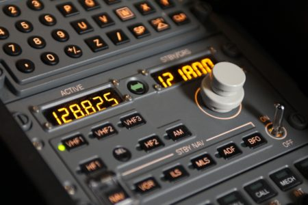Panel actual de control de comunicaciones en la familia A320.
