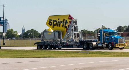 LLegada del empenaje vertical a la factoría del primer A320 que se montará en Mobile.