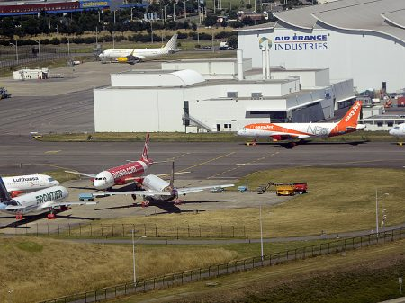 Aviones Airbus A320neo en Toulouse a la espera de sus motores para poder ser entregados.