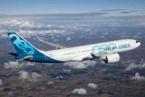El primer A330-800, usado para la certificación del modelo, durante su primer vuelo el 6 de noviembre de 2018.