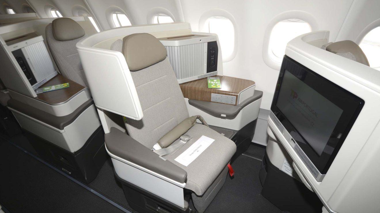 Los asientos de clase business ofrecen acceso directo al pasillo para todos los pasajeros