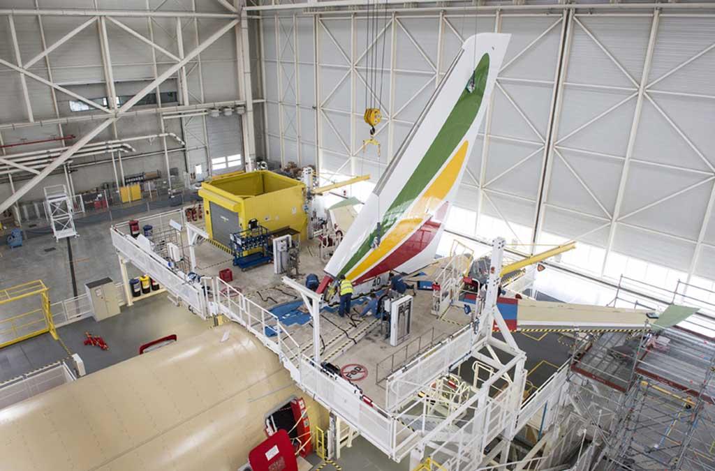 El establizador vertical del Airbus A350 es fabricado en España por Aciturri.
