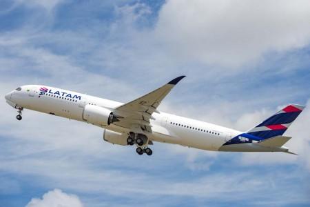 LATAM usa sus A350 en sus vuelos entre Sao Paulo y Madrid entre otras rutas.