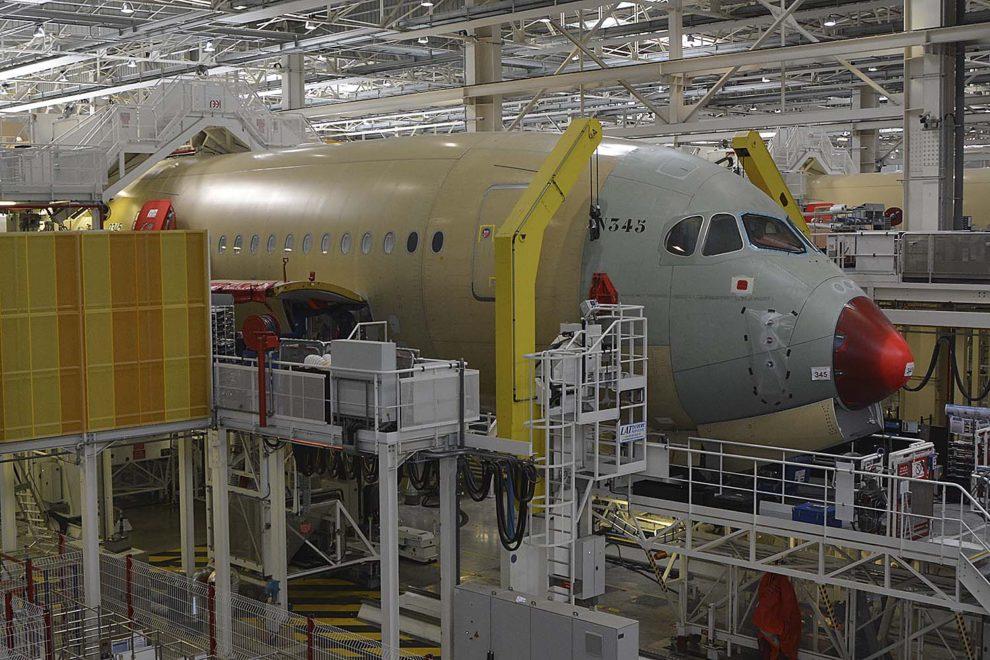 La división de aviones comerciales de Airbus ha sido la más afectada en el primer trimestre d 2020 con una caída de sus ingresos de más del 20 por ciento.