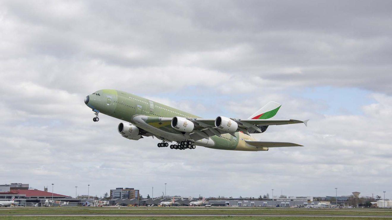 Despegue de Toulouse del úlrtimo A380 construido.