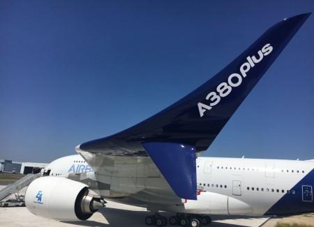 Los winglets del Airbus A380Plus miden 4,7 metros de altura, extendiéndose 3,5 metros sobre el ala y 1,2 metros bajo ella.